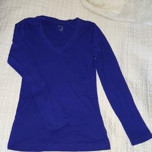 GAP v neck cotton long sleeve
